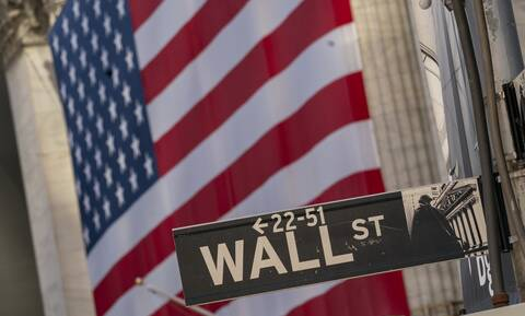 Νευρικότητα στη Wall Street λίγο πριν την πρώτη τηλεμαχία Τραμπ-Μπάιντεν