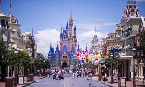 Κορονοϊός: Η Disney απολύει 28.000 εργαζομένους στα θεματικά της πάρκα