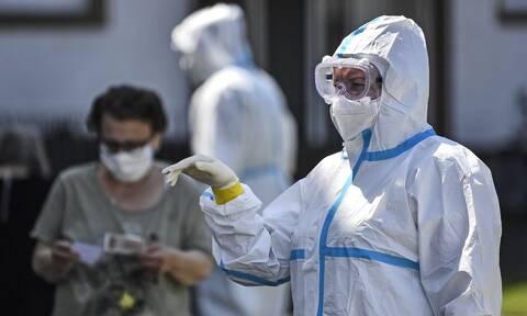 Κορονοϊός - Δυσοίωνη πρόβλεψη: «Πάνω από 700 τα κρούσματα το Δεκέμβρη στην Ελλάδα»