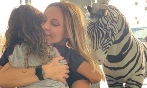 Πέγκυ Ζήνα: Η κόρη της έχει μεγαλώσει πολύ και είναι ολόιδιες - Δείτε φώτο