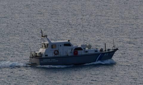 Συναγερμός στα Χανιά: Εντοπίστηκε ακυβέρνητο σκάφος με μετανάστες