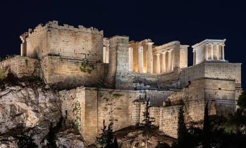 Μητσοτάκης: Το φως του 21ου αιώνα αγκαλιάζει την Ακρόπολη