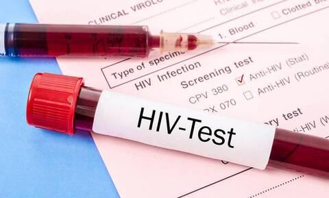 Ένας στους δύο ασθενείς με HIV δυσκολεύεται να κάνει τις απαραίτητες εξετάσεις