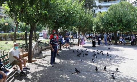 Κορονοϊός: Ένα βήμα πριν το lockdown η Αττική - Τα νέα μέτρα