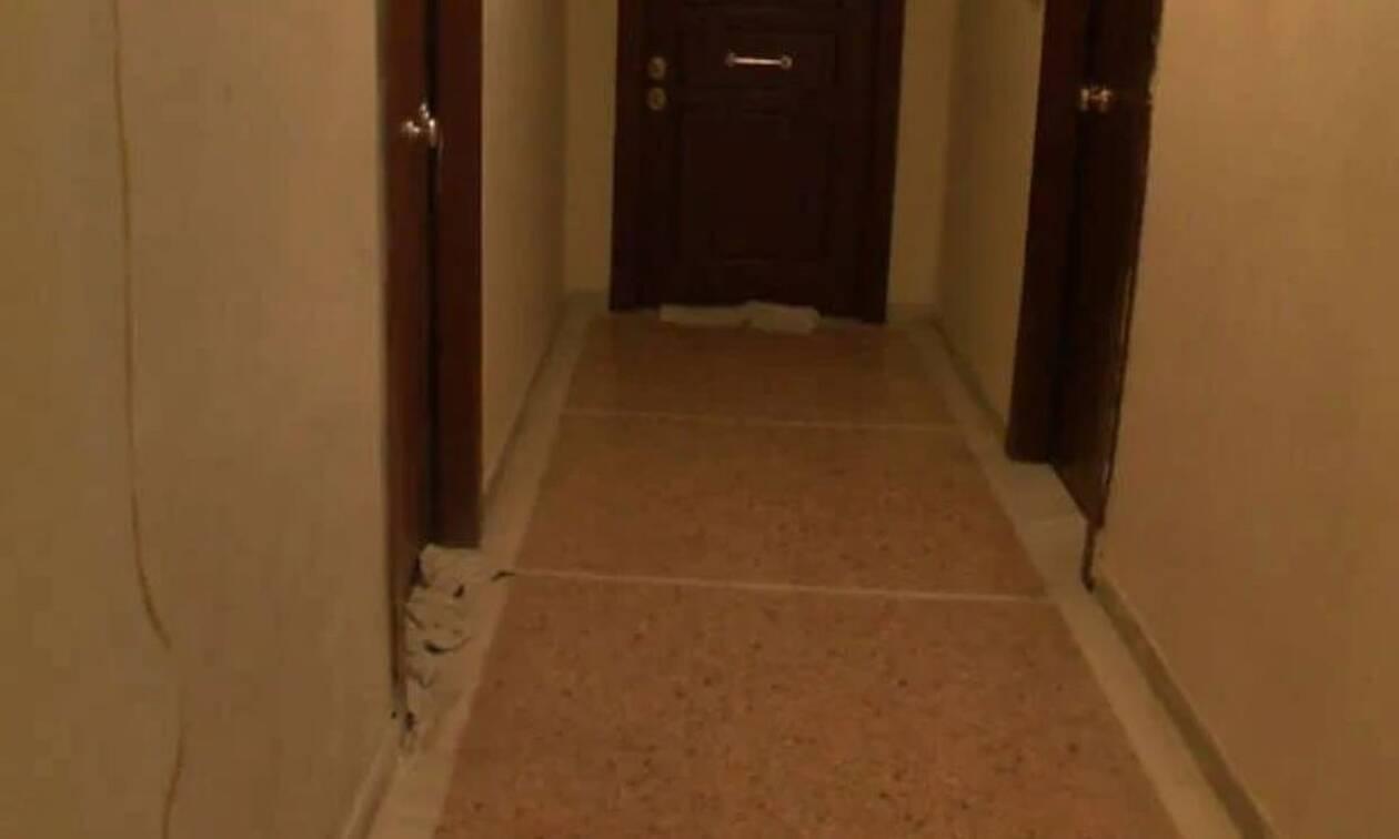 Κορονοϊός: Πανικός σε πολυκατοικία της Αθήνας λόγω κρουσμάτων κορονοϊού - Σφραγίζουν τις πόρτες