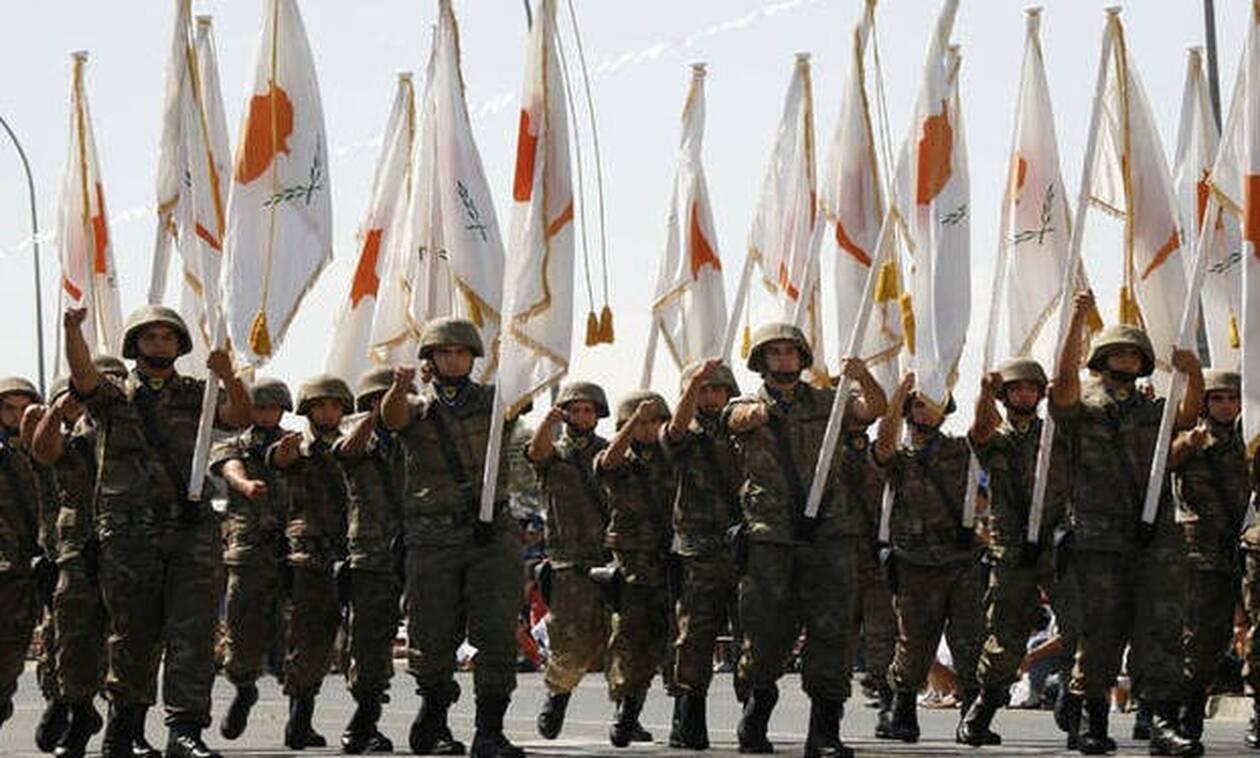 60η επέτειος Κυπριακής Ανεξαρτησίας - Χωρίς παρουσία πολιτών λόγω κορωνοιού η παρέλαση