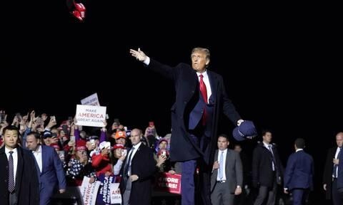 Τραμπ - Κορονοϊός: Τι συμβαίνει όταν ο πρόεδρος των ΗΠΑ ασθενήσει;