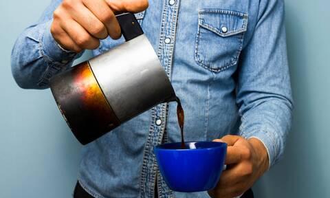 Πρόσεχε: Αυτές τις ώρες ο καφές γίνεται πολύ βλαβερός