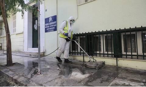 Γηροκομείο Αγίου Παντελεήμονα: «Δεν είμαι εγώ ο ασθενής μηδέν» - Γιατί φορούσε διπλά γάντια