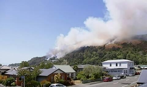 Νέα Ζηλανδία: Πυρκαγιά σάρωσε χωριό - Δεκάδες σπίτια καταστράφηκαν