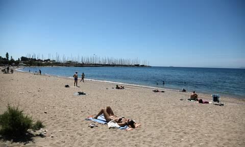 Καιρός σήμερα: Σαν καλοκαίρι… Με σκόνη και ζέστη η Δευτέρα