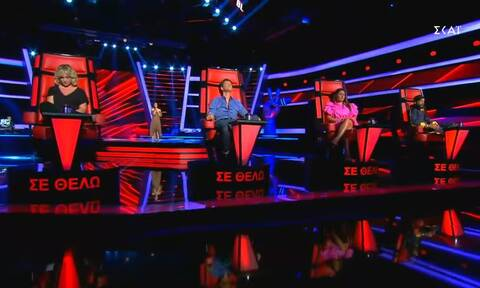 The Voice: Ανέβηκε ξυπόλητη στη σκηνή και συγκλόνισε τους πάντες (video)