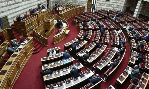Αγιασμός με μόλις 60 βουλευτές