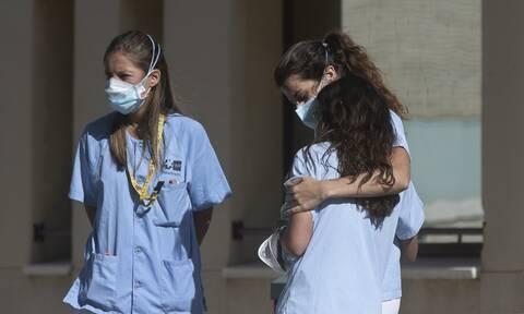 Κορονοϊός - ΠΟΥ: Η πανδημία έπληξε και την παροχή υπηρεσιών ψυχικής υγείας