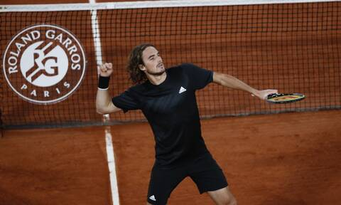 Roland Garros: Εκπληκτικός Τσιτσιπάς, με... περίπατο στα προημιτελικά!