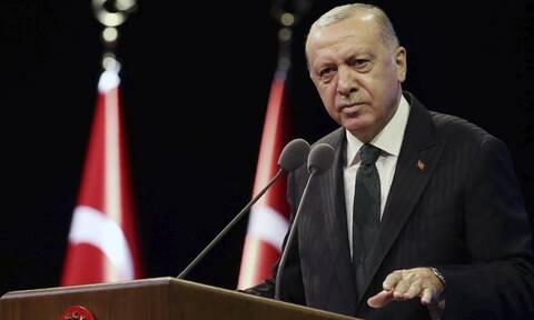 Spiegel: Ο Ερντογάν στρατολογεί τζιχαντιστές με 1.000 ευρώ