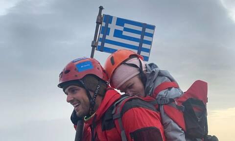 Συγκλονίζει ο Μάριος Γιαννάκου: «Τη γύρισα 360 μοίρες να δει την Ελλάδα από ψηλά»