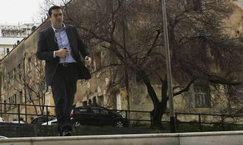 Δίκη Χρυσής Αυγής: Στη συγκέντρωση έξω από το Εφετείο ο Αλέξης Τσίπρας