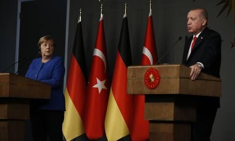 Επικοινωνία Μέρκελ - Ερντογάν: «Η Ε.Ε. υπέκυψε στους εκβιασμούς Ελλάδας»