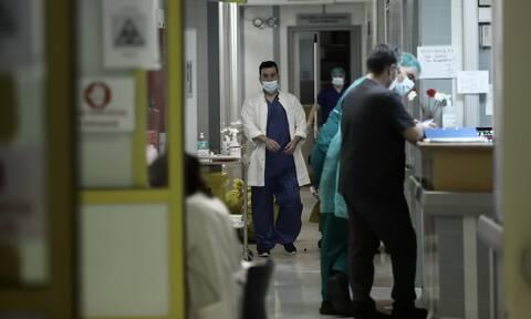 Κορονοϊός: Τρεις θάνατοι μέσα σε λίγες ώρες - Στους 423 οι νεκροί στην Ελλάδα