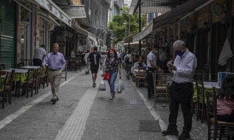 Κορονοϊός: Έρχεται δύσκολος χειμώνας - «Έκρηξη» κρουσμάτων φοβούνται οι ειδικοί