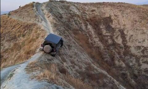 Του είπαν πως τα Jeep πάνε παντού και αυτός το πήρε τοις μετρητοίς
