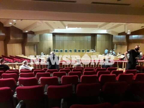 Δίκη Χρυσής Αυγής: Δείτε εικόνες από την αίθουσα του Εφετείου