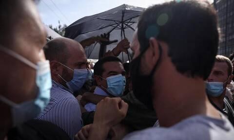 Δίκη Χρυσής Αυγής: Πώς ο Τσίπρας βρέθηκε ανάμεσα στα επεισόδια έξω από το Εφετείο