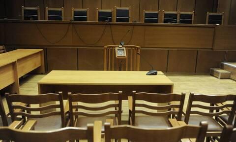 Ένωση Δικαστών και Εισαγγελέων: Συγχαίρει τους δικαστές για την καταδίκη της Χρυσής Αυγής