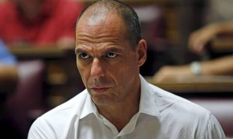 Καταγγελίες Βαρουφάκη για εξύβριση αστυνομικού - Τι απαντά ο Χρυσοχοΐδης