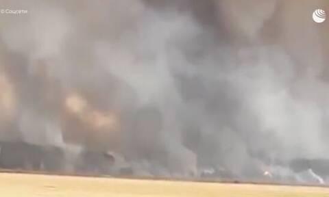 Ρωσία: Πανικός από πυρκαγιά σε αποθήκη πυρομαχικών – Εκκενώνονται 10 χωριά (vid)