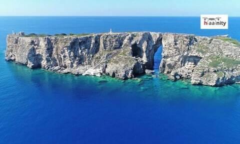 Τσιχλί Μπαμπά: Το νησάκι της Πύλου όπου είναι θαμμένος ο ανιψιός του Ναπολέοντα
