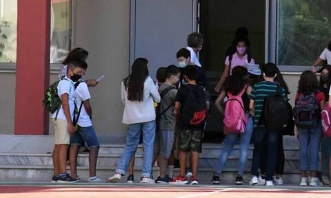 Σχολεία: 2.800 προσλήψεις ψυχολόγων και κοινωνικών λειτουργών
