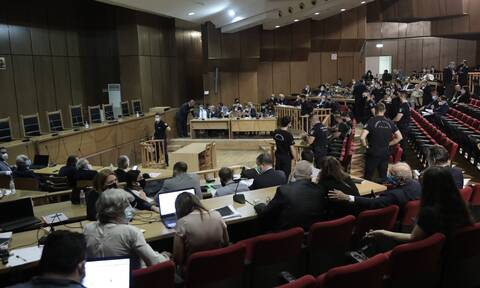 Δίκη Χρυσής Αυγής: Πολιτική θύελλα για τις ρυθμίσεις του ΣΥΡΙΖΑ που «μαλακώνουν» τις ποινές