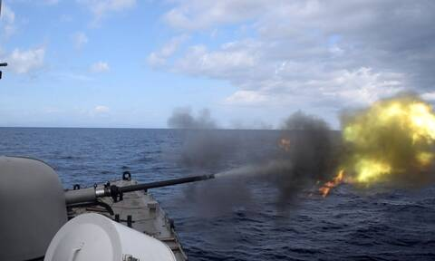 Πολεμικό Ναυτικό: «Φωτιά και ατσάλι» σε Μυρτώο, Κρητικό –Εντυπωσιακές εικόνες από την άσκηση «ΛΟΓΧΗ»