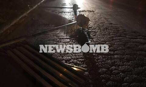 Φωτιές και επεισόδια από Ρομά για τη δολοφονία του 18χρονου - Τρεις αστυνομικοί τραυματίες