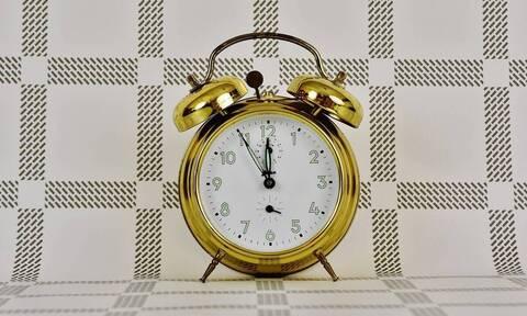 Αλλαγή ώρας: Πότε γυρίζουμε μια ώρα πίσω τους δείκτες των ρολογιών
