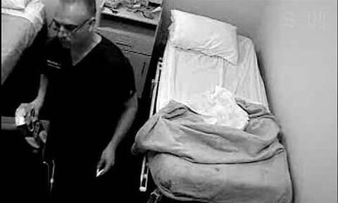 Σάλος: Γιατρός ασελγούσε σε ασθενείς - Είπε πως τις «θεράπευε» με το μόριο του
