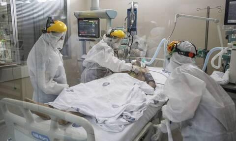 Κορονοϊός: «Φλέγεται» η Αττική με 141 κρούσματα – Ρεκόρ θανάτων το τελευταίο 24ωρο