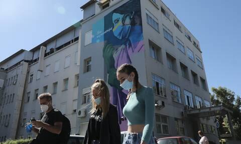 Κορονοϊός - Βατόπουλος στο Newsbomb.gr: Οι διασωληνωμένοι θα φέρουν νέα μέτρα στην Αττική