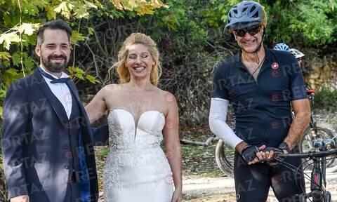 Ο Κυριάκος Μητσοτάκης «διέκοψε»... γαμήλια φωτογράφιση (vid)