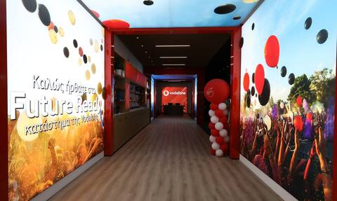 «Vodafone Future Ready κατάστημα -  Εδώ που η τεχνολογία γίνεται εμπειρία για όλους»