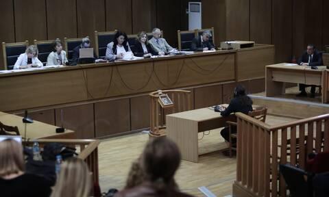 Δίκη Χρυσής Αυγής: Διακοπή μετά το αίτημα Λαγού - Ζητά να απορριφθεί η Εισαγγελέας