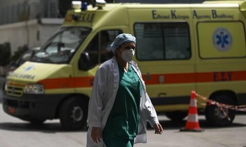 Κορονοϊός: Θερίζει την Ελλάδα ο φονικός ιός - 63 νεκροί σε 12 μέρες - Γεμίζουν τα κρεβάτια ΜΕΘ