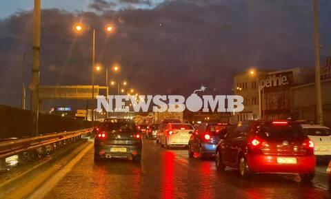Κακοκαιρία: Προβλήματα στην κυκλοφορία των οχημάτων - Ποιους δρόμους να αποφύγετε