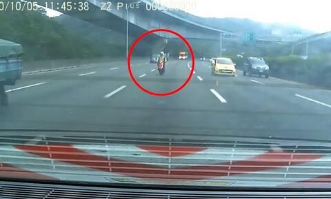 Δείτε πως προκλήθηκε πανικός σε αυτοκινητόδρομο της Ταϊβάν