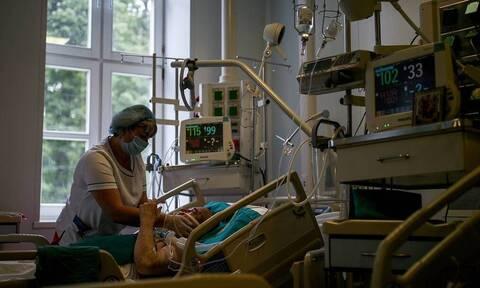 В РФ за сутки выявили 13 868 заразившихся коронавирусом. Это максимум с начала пандемии