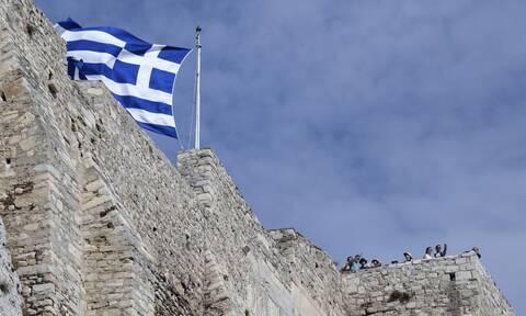 ΔΝΤ: Η ελληνική οικονομία επιστρέφει στην ανάπτυξη το 2021