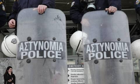 Κορονοϊός: Σε καραντίνα αστυνομικοί που ήταν στη δίκη της Χρυσής Αυγής