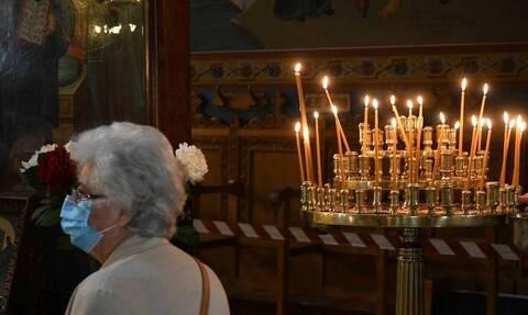 Κορονοϊός: Παπάς στη Θεσσαλονίκη απαγορεύει την είσοδο στην εκκλησία σε όσους φορούν μάσκα